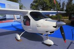 Śmigło i nos biały pojedynczego silnika załatwiający skrzydłowy samolot Fotografia Royalty Free