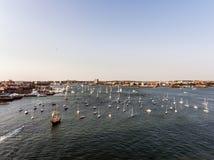 Śmigłowcowy lota widok z lotu ptaka wizerunek Boston MA, usa podczas zmierzchu schronienia z łodziami blisko nabrzeże zatoki Fotografia Royalty Free