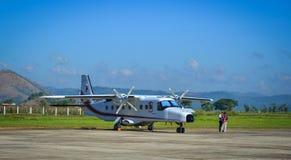 Śmigłowego samolotu parking przy lotniskiem Fotografia Stock