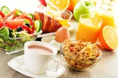 Śniadanie na stole obrazy royalty free