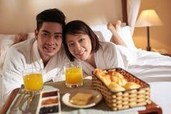 Śniadanie w łóżku zdjęcia stock