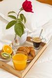 Śniadanie w łóżku obrazy royalty free