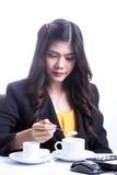 Śniadanie w biurowej kobiecie Fotografia Stock