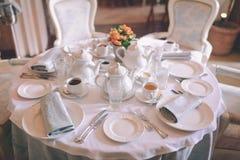 Śniadanie w ranku teapot kawowy mały herbaciany biel Zdjęcie Stock