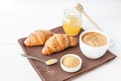 Śniadanie z croissant i filiżanką kawy Obraz Stock
