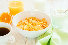 Śniadanie z kukurydzanymi płatkami Zdjęcia Royalty Free
