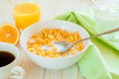 Śniadanie z kukurydzanymi płatkami Fotografia Stock