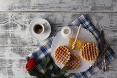 Śniadanie z Wiedeńskimi opłatkami zdjęcia royalty free