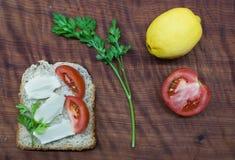 Śniadanio-lunch czas: zdrowy i smakowity jedzenie obrazy stock