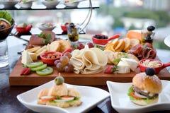 Śniadanio-lunch promocja przy restauracją Zdjęcia Royalty Free