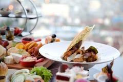 Śniadanio-lunch promocja przy restauracją Obraz Royalty Free