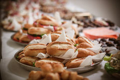 śniadanio-lunch z świeżymi Francuskimi baguettes i warzywami Fotografia Stock