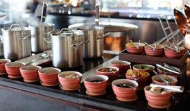 Śniadaniowy bufet przy tropikalnym hotel w kurorcie w Bali Indonezja, luksusowy hotel w Azja obraz stock