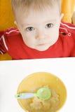 śniadaniowy chłopiec łasowanie zdjęcie stock
