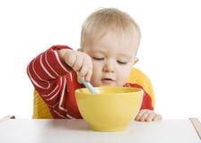 śniadaniowy chłopiec łasowanie Fotografia Royalty Free