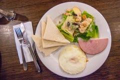Śniadaniowy posiłek z Chlebowym baleronem obrazy royalty free
