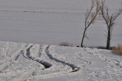 Śnieżna śródpolna droga obraz royalty free