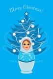 Śnieżna dziewczyna i olśniewający Bożenarodzeniowy jedlinowy drzewo Zdjęcie Royalty Free