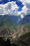 Śnieżna góra i dolina obraz stock