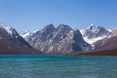 Śnieżna Góra I Jezioro Fotografia Royalty Free