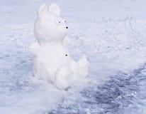 Śnieżna rzeźba niedźwiedź zdjęcie stock