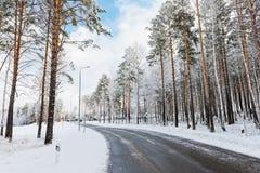 Śnieżna zimy droga Zdjęcie Royalty Free