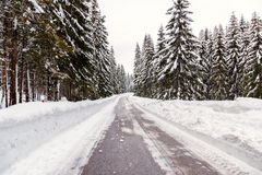 Śnieżna zimy droga obrazy stock