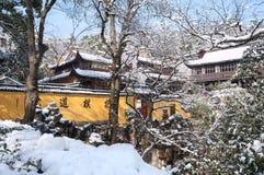 Śnieżna zimy scena na zewnątrz Baopu Taoistycznej świątyni, Hangzhou Zdjęcia Royalty Free