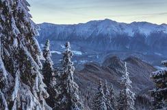 Śnieżne Bucegi góry, Rumunia zdjęcia royalty free