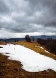 Śnieżne burzowe góry Zdjęcia Royalty Free
