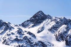 Śnieżne góry w ośrodka narciarskiego St Jakob, Defereggen dolina, Austria Zdjęcia Stock