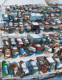 Śnieżnej zimy łódkowaty dok na widok Obraz Royalty Free