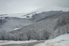 Śnieżny góra krajobraz Zdjęcia Royalty Free