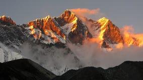 śnieżny góra zmierzch zdjęcia stock