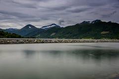 Śnieżny halny skandynawa krajobrazu seascape Zdjęcie Royalty Free