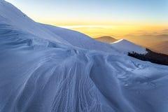 Śnieżny halny wieczór w Carpathians zdjęcia stock