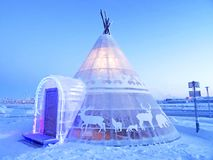 Śnieżny igloo świecący zdjęcia royalty free