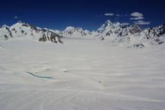 Śnieżny jeziorny widok Obraz Royalty Free