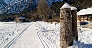 Śnieżny krajobraz dolomit góry podczas zimy obrazy stock