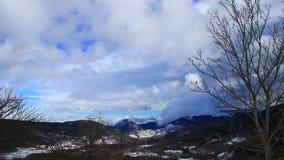 Śnieżny krajobraz w Pyrenees filmował w podróżować, Francja zbiory