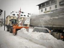 Śnieżny plouch przy pracą zdjęcia royalty free