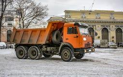 Śnieżny usunięcie na rynku w Petersburg Śnieżny remov Zdjęcie Royalty Free