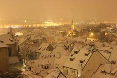 Śnieżny wieczór w zimie Praga, republika czech Fotografia Royalty Free