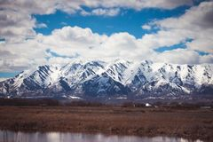 Śnieżysta Logan góra w wiośnie fotografia royalty free
