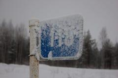 Śnieżysty błękitny kilometru znak Zdjęcie Royalty Free
