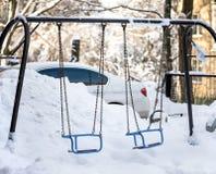 Śniegów gruzy na boisku i dryfy zdjęcie stock