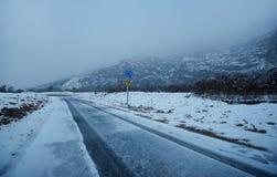 Śnieg na drodze obrazy stock
