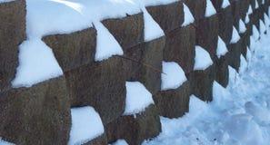 Śnieg na skały ścianie Obraz Stock