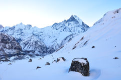 Śnieg nakrywająca góra zdjęcie stock