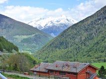 Śnieg Nakrywający szczyt Szwajcarscy Alps zdjęcia royalty free